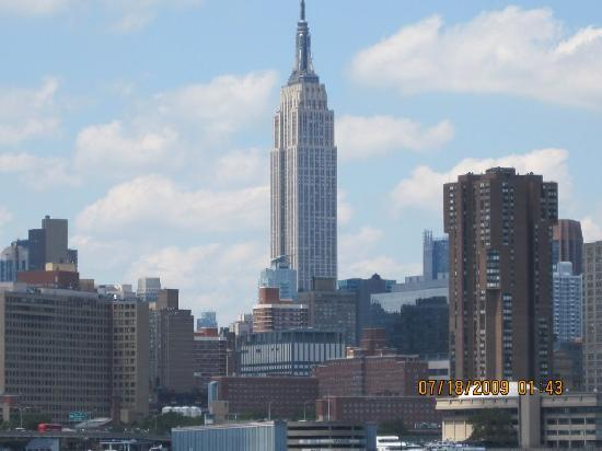 Hotels Near Statue Of Liberty And Empire State Building