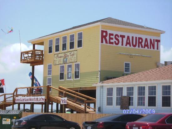 Cedar Sands Motel : Restaurant next door