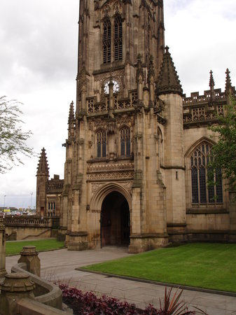 Manchester, UK : machester catherdal