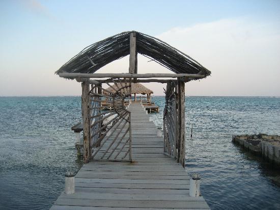 Ak'bol Yoga Retreat & Eco-Resort: The Yoga pier