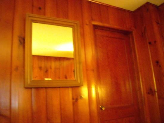 Roosevelt Inn: a small view of the rustic room walls