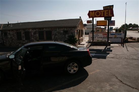 Boron Motel: Front