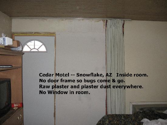 Cedar Motel: No Window. No Smoke Alarm