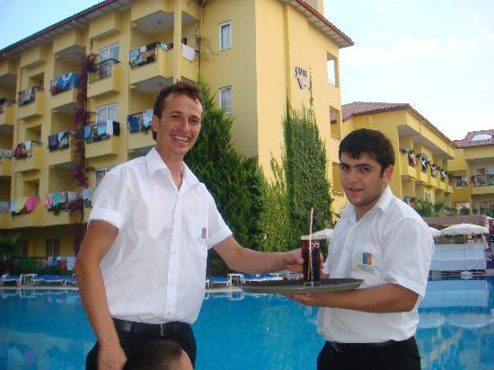 Sun City Apartments & Hotel: 'Smiley'...