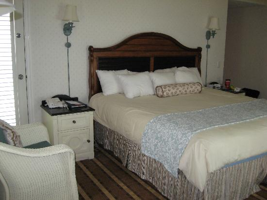 Disney's Beach Club Resort: Extremely comfortable bed!