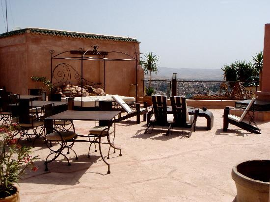 Riad Laaroussa Hotel and Spa: The beautiful terrace