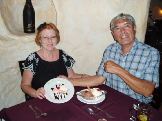 Exe Suites San Marino: 42nd Anniversary Cake