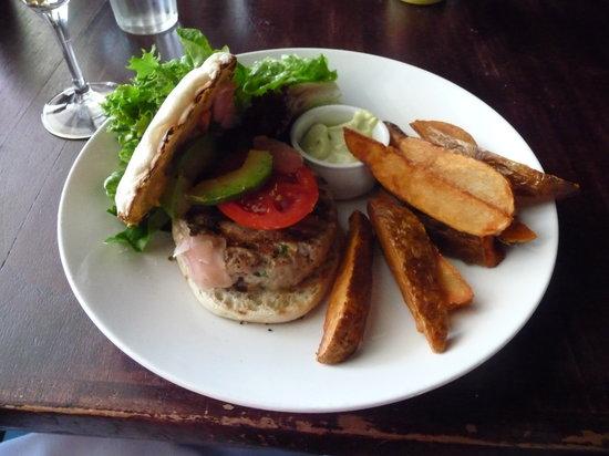 Hudson Hall: tuna burger