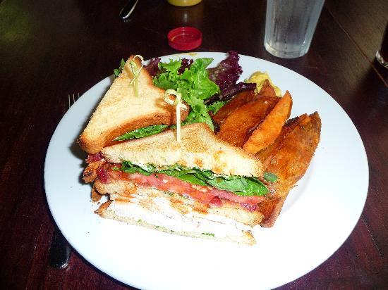 Hudson Hall: club sandwich