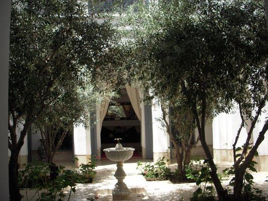 ไรแอด อูเบรค: Oriental Riad Aubrac