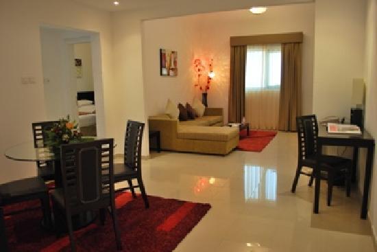 Ramada Hotel and Suites Ajman: Suite