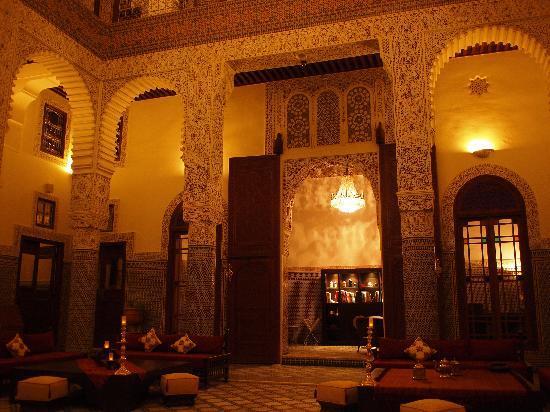 Riad Fes - Relais & Chateaux: 夜のロビーはとても素敵です。