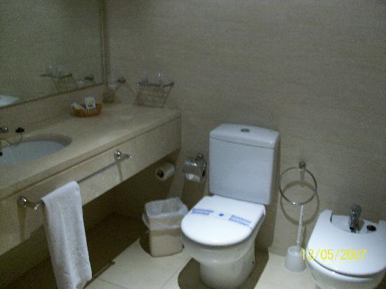 Hotel Neptuno: Cuarto de baño