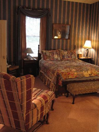 Old North Durham Inn: the Masters room