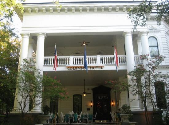 Columns Hotel: the view from the outside