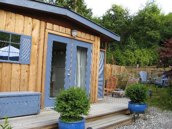 Blue Heron Bed & Breakfast: Front Door
