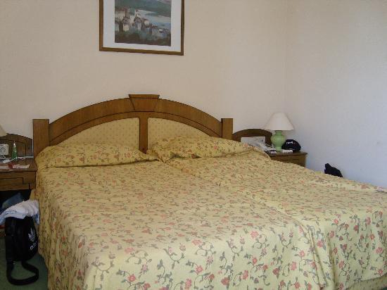 Sun Beach Hotel: our room