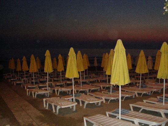 Sun Beach Hotel: beach