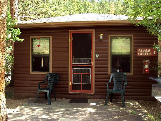 Castle Mountain Lodge: Our Cabin