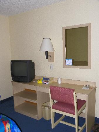 Motel 6 Tacoma South: room