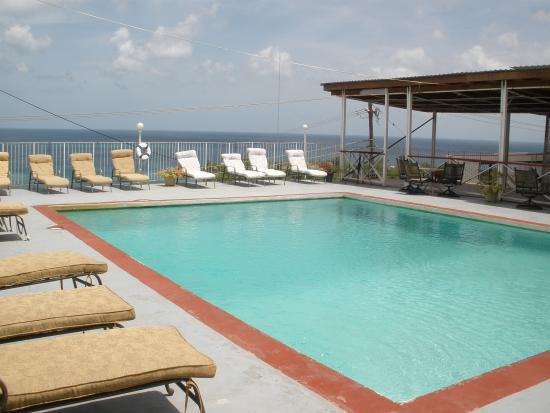 Grand View Inn: The pool...