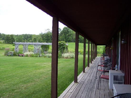 The Meadowlark Inn Cooperstown: The back door leads to a seating area