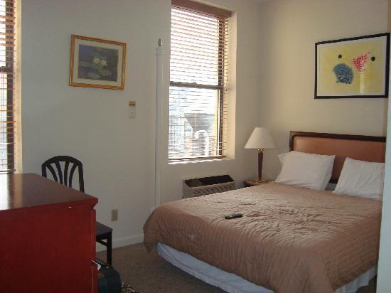Da Vinci Hotel: room 505