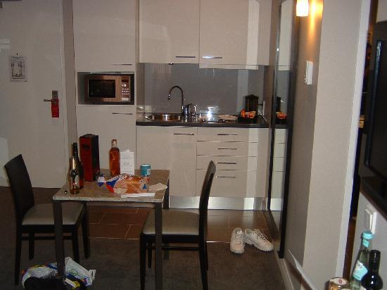 Adina Apartment Hotel Berlin Checkpoint Charlie Studio Room