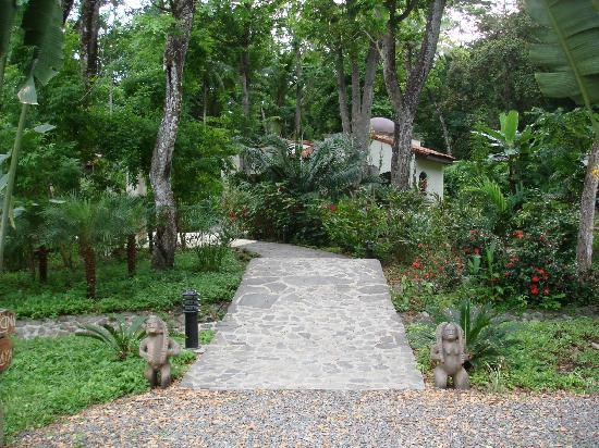 Villas Hermosas: The path to Paradise