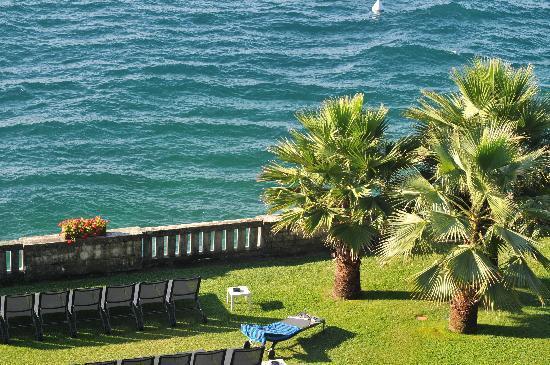 Hotel Villa Capri : View of lake