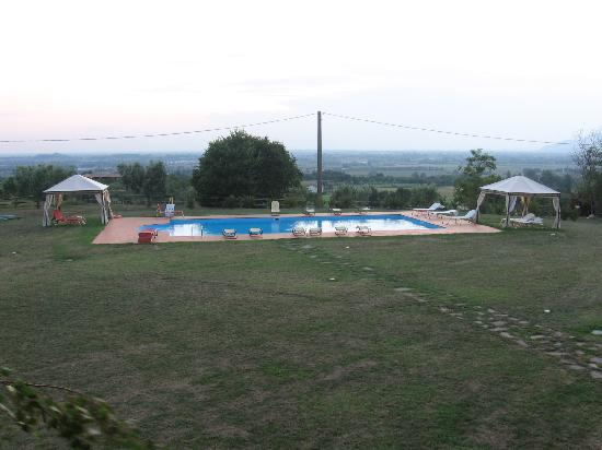 Garda Country House: The big and clean pool