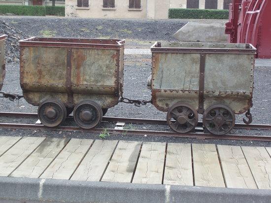 Musee de la Mine: Vagonnets pour le transport du charbon