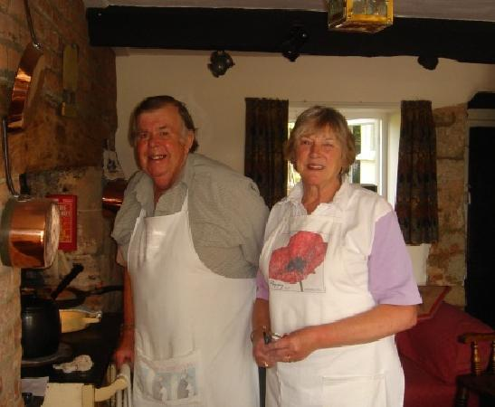 Lower Farm Bed and Breakfast: Doreen and John