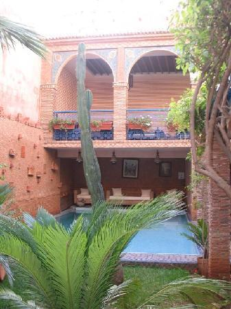 Riad Meknes: Swimming pool and niche