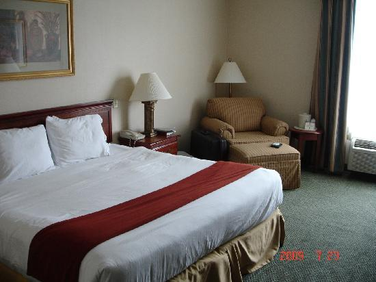 Holiday Inn Express Hanover: room
