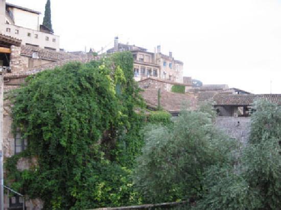 Girona Apartments: view outside LR