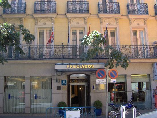 Lit picture of hotel preciados madrid tripadvisor for Hotel preciados madrid