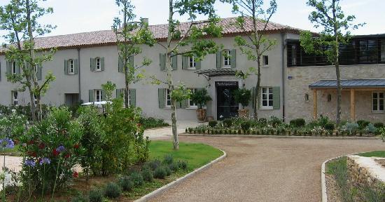 Les Jardins de Saint-Benoit : club house and reception