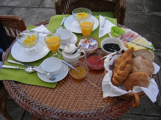 Quinta Sao Goncalo: Breakfast