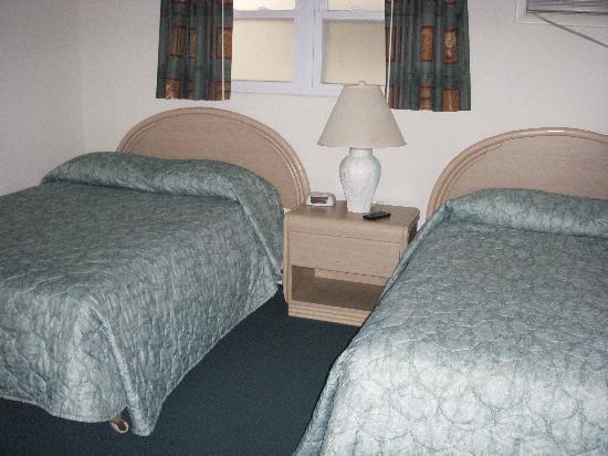 Nassau Inn: Nassau Room 205 bedroom