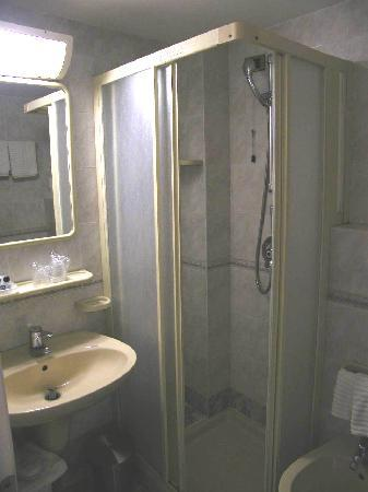 Hotel Continental - TonelliHotels: bagno