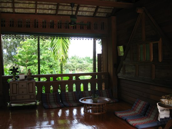 Lisu Lodge: Khum Lanna: library
