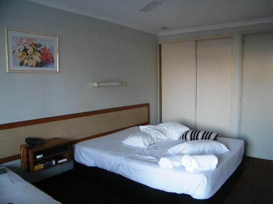 Noisy - Review of Shoredrive Motel, Townsville, Australia ...