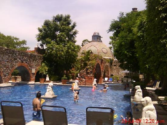 Hacienda Vista Hermosa: La alberca, deliciosa.