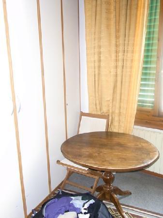 Martindago B&B: furniture