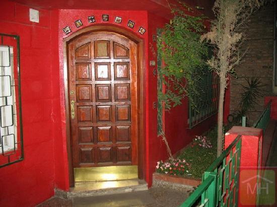 Entrada de la casa picture of martinas house buenos - Entradas de casas ...