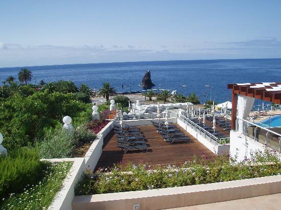 Melia Madeira Mare Resort & Spa: Visata de uno de los solarium