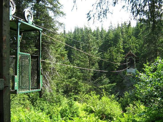 Crow Creek Mine : The hand tram trail that will bring you the other side of the raging river
