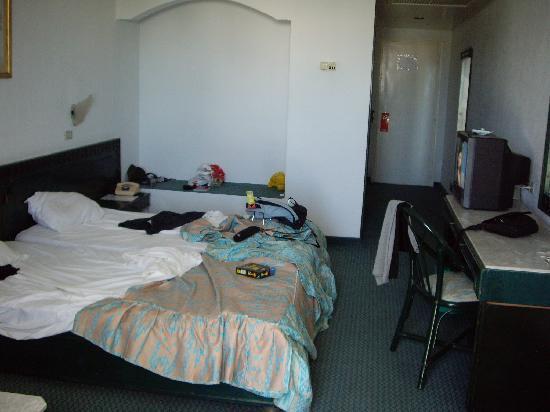 Hotel Albatros : Habitación