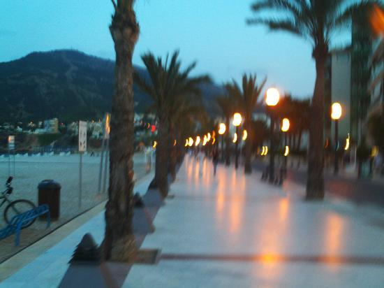 El Albir, İspanya: albir prom at night